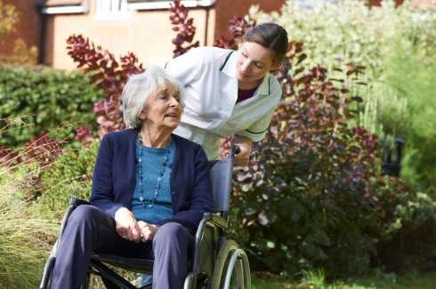 How to Properly Take Care of a Dementia Patient